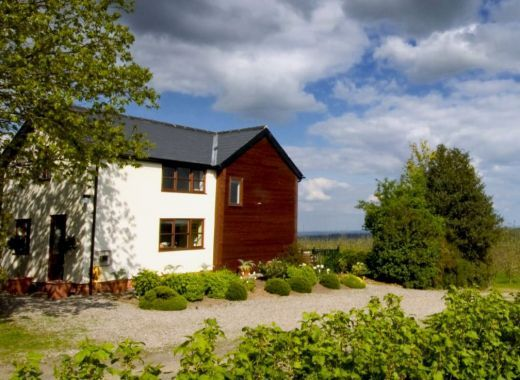 country cottage sleeps 4